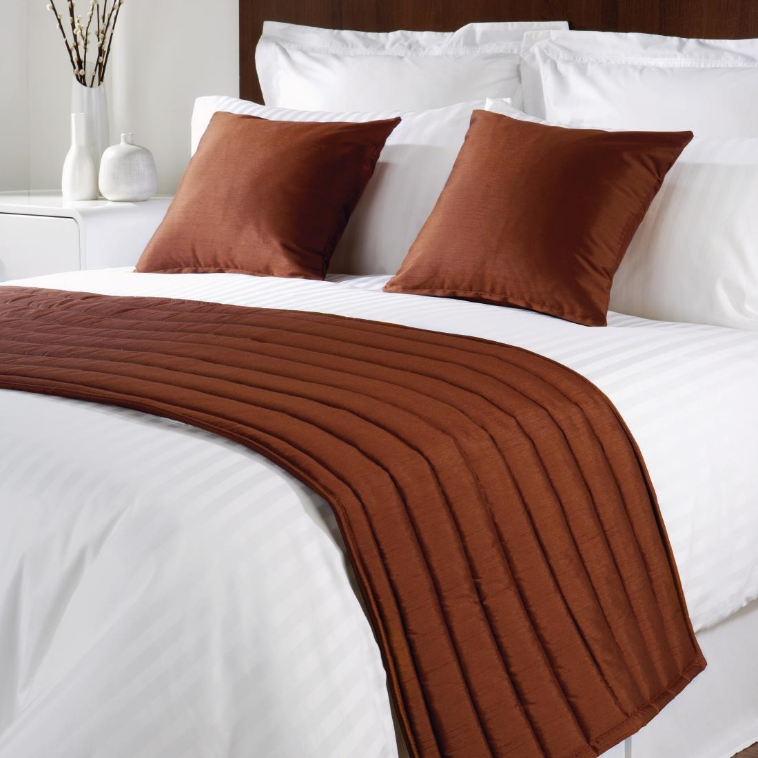 Mitre Comfort Simplicity Chocolate Bed Runner Double
